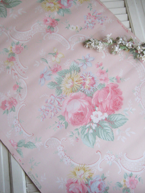 wallpaper love pink. I love to collect vintage